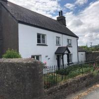 Characteristic 5-Bed House on the edge of Dartmoor, hotel in Newton Abbot