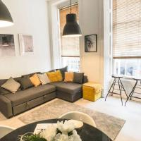 Dwell Living - 2 Bedroom Serviced City Centre Apartment Sleeps 6