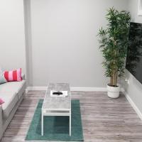 Luxurious 2 bedroom basement suite, Hotel in Winnipeg