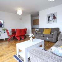 Lovely 2 bed 2 toilet Hill House river view apartment