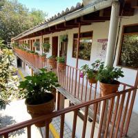 Posada Familiar Real Del Valle, hotel en Valle de Bravo