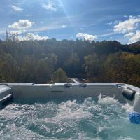 River Villa with amazing view + Jacuzzi, Garden, Forest access, hotel in Vétraz-Monthoux