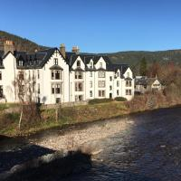 Lovely 2 bedroom apt in Ballater on the River Dee