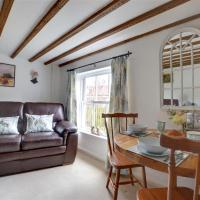 Cozy Holiday home in Sedlescombe Kent with Private Parking