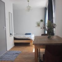 Private studio room in De Pijp