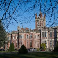 Crewe Hall Hotel & Spa, hotel in Crewe