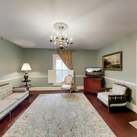 Maxwell House #4 Chardonnay - 3 Mins to Vineyard Duplex