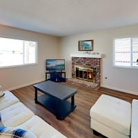 Relaxing Retreat - Big Patio - Walk to Parks home, hotel in Grover Beach