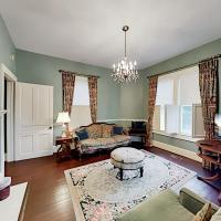 Maxwell House #2 Merlot - Kitchenette & 2 Porches Duplex