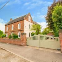 Derwent Farmhouse - Quintessential Country Home