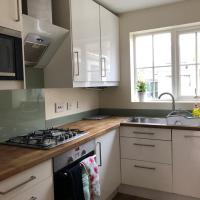 The Hollies Abode & free parking - perfect London long stay, hotel in Sidcup