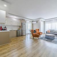 Central Apartment with Shared Pool in Muratpasa