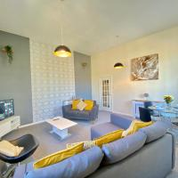 4 Single beds or 2 Doubles - FREE PARKING SPACES - SMART TV's - City Centre Spacious flat