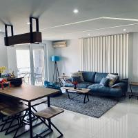 Aqua Blue Lakeview Apartment, hotel em Pestani