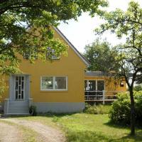 Three-Bedroom Holiday home in Rømø 23, hotel in Bolilmark