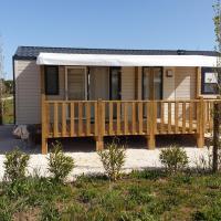 Mobil Home Camping Pins Maritimes, hôtel à Hyères près de: Aéroport de Toulon - Hyères - TLN