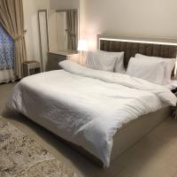2 bedrooms apartment in Marina 1 towers king Abdullah economy city شقه غرفتين في المارينا ١, hotel em King Abdullah Economic City