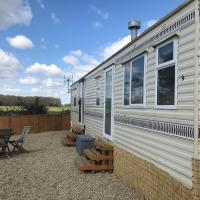 Orchard View Retreat - Dog friendly, fully enclosed private garden with hot tub