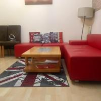 House for 10-11. Close to City and Excel. Free Parking.
