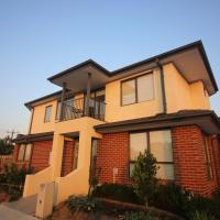 Melbourne Airport House - Three Bedroom House
