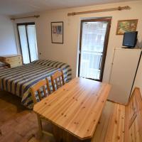 Locazione Turistica Marmolada-2, hotel in Alba di Canazei