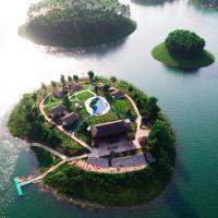 Paradise Islands Thác Bà, hotel in Yên Bái