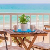 Modern Beach apartment with amazing sea views, hotel in Guardamar del Segura