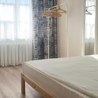 Апартаменты на Чепецкой, 3 а, hotel in Glazov