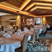 Hotel Laurino, hotel in Pozza di Fassa