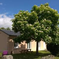 Maison de campagne avec jardin pour 2 à 5 personnes、Julosにあるタルブ・ルルド・ピレネー空港 - LDEの周辺ホテル