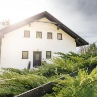 NaturparkResort s`Häuserl, hotel in Mooslandl