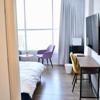 דירת אירוח חדשה מהניילונים !, מלון בפתח תקווה
