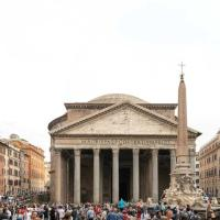 The Artist's House in front of Pantheon