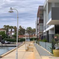 Mariners Cove: Luxury Waterfront Apartment, hotel em Mindarie
