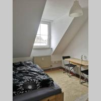 Clean, cheap, central flat, contactless Check-In