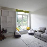 Halwell House - A Spacious Quiet Apartment