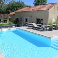 Holiday Home Combel d'Arnal - LGD400, hotel in Lamagdelaine