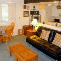 Three-Bedroom Deluxe Townhouse Unit #2 by Snow Summit Townhouses Bus Lic #23581