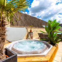 Vlaamse Ardennen Vakantiehuis Casa Caliente met wellness, hotel in Avelgem