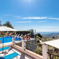 Nice home in Frigiliana with Outdoor swimming pool, WiFi and 7 Bedrooms, hotel en Acebuchal