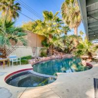 Beachy backyard/Heated pool! 14 Bed, 6 Bdrm home!, hotel in Las Vegas