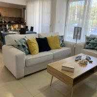 Cozy Apartment at Punta Cana Village, hotel near Punta Cana International Airport - PUJ, Punta Cana