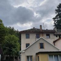 APARTMÁN - DOMEČEK, hotel in Žďár