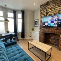 Stylish modern apartment near the city centre for up to 4 people