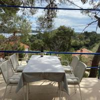 Holiday house Pina - Rustical holiday house in peaceful bay, hotel near Losinj Airport - LSZ, Cunski