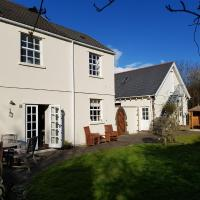Ty-Bryn Guest House