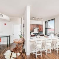 2BR Stunning Lux Apartment Free Parking, Rooftop Deck & Gym, ADA Compliant