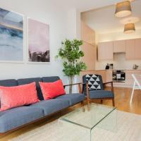 Stylish & Modern 3 Bed Flat in NW London with Garden