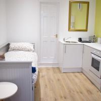 Bright Comfortable Studio Apt in Leith