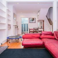 Elegant Victorian 3-Bed Home Near Hammersmith